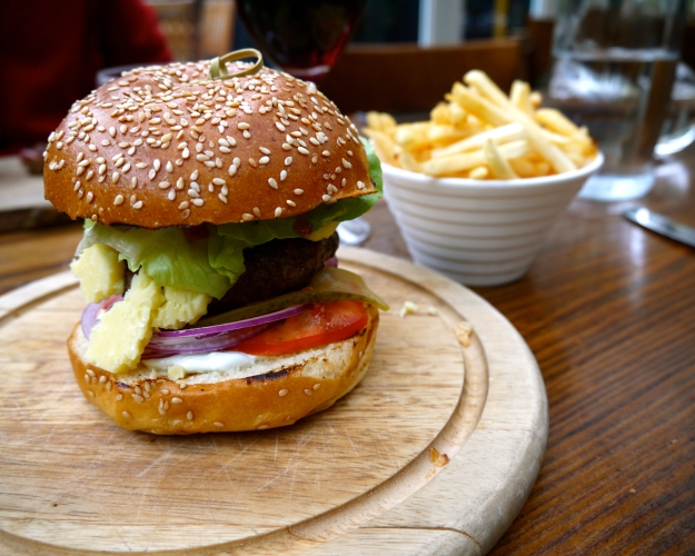 Summer special spiced lamb burger | tomato chilli jam, tzatziki
