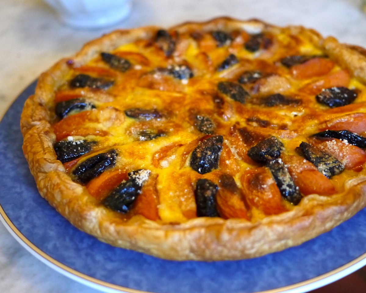 Easy French Apricot Tart