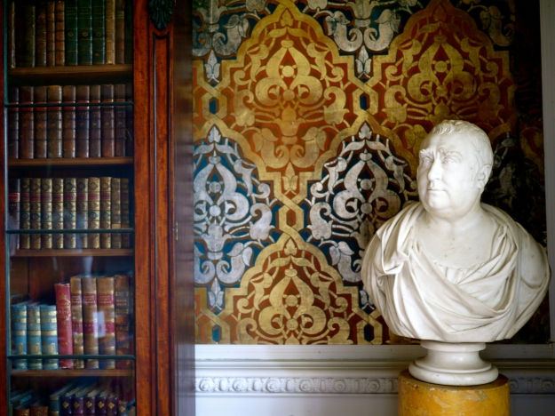 Broughton Castle Great Parlour Wallpaper BUST