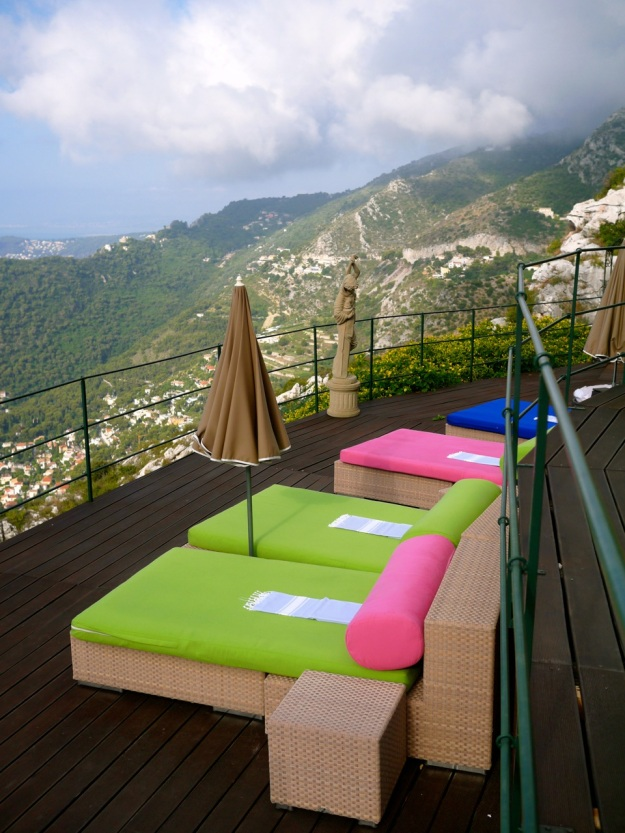 Chevre D'or Loungers