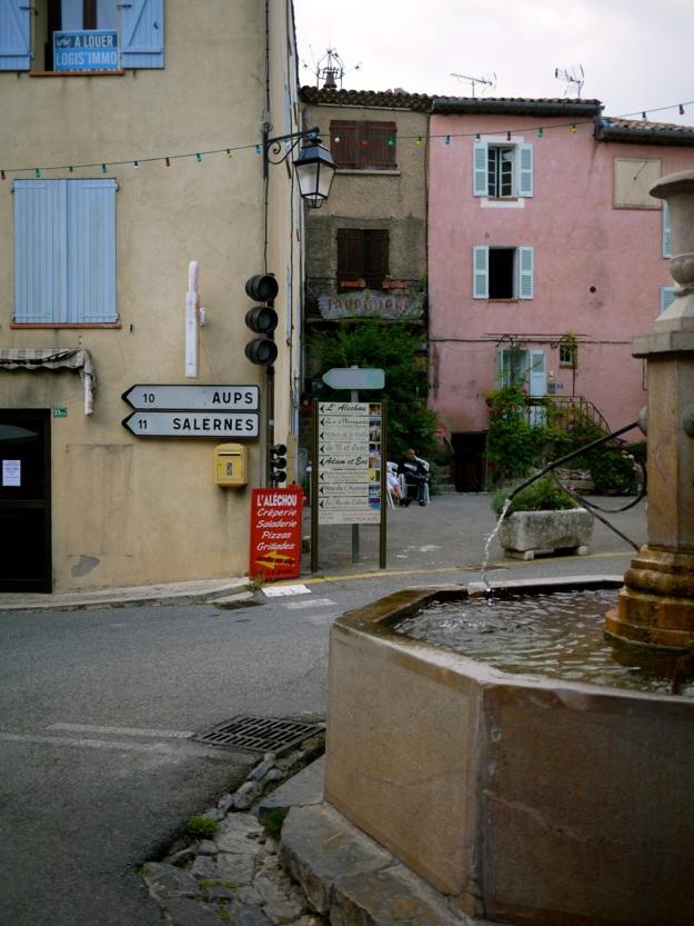 Tourtour town fountain