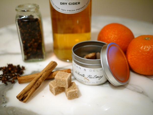 Hot Mulled Cider Ingredients Close