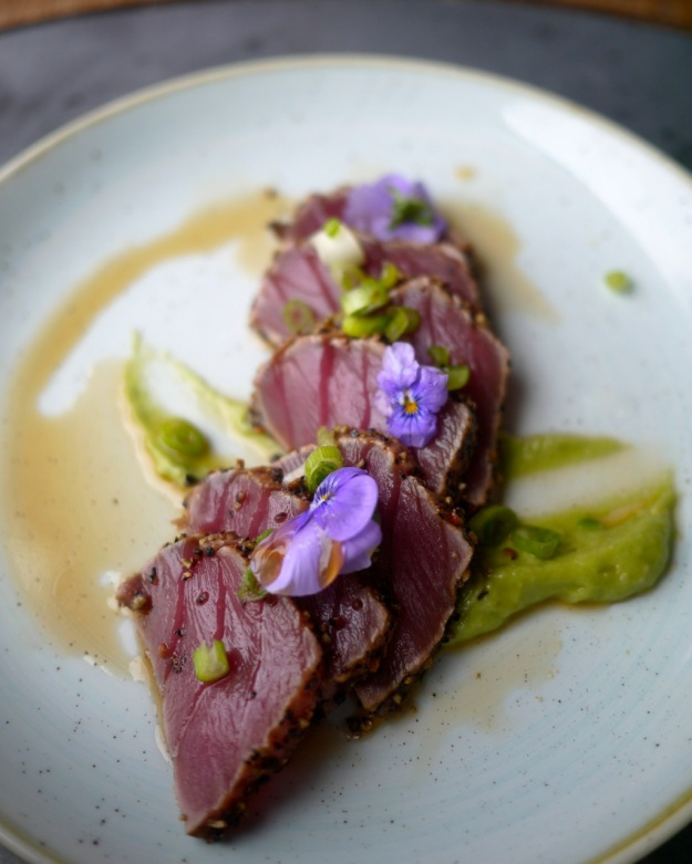 Peppered tuna with wasabi avocado