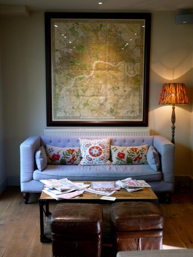 Shaftesbury Grovesnor Hotel Sofa