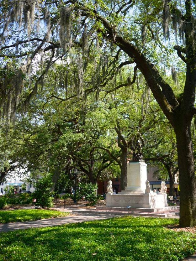 Savannah Sqaure Statue