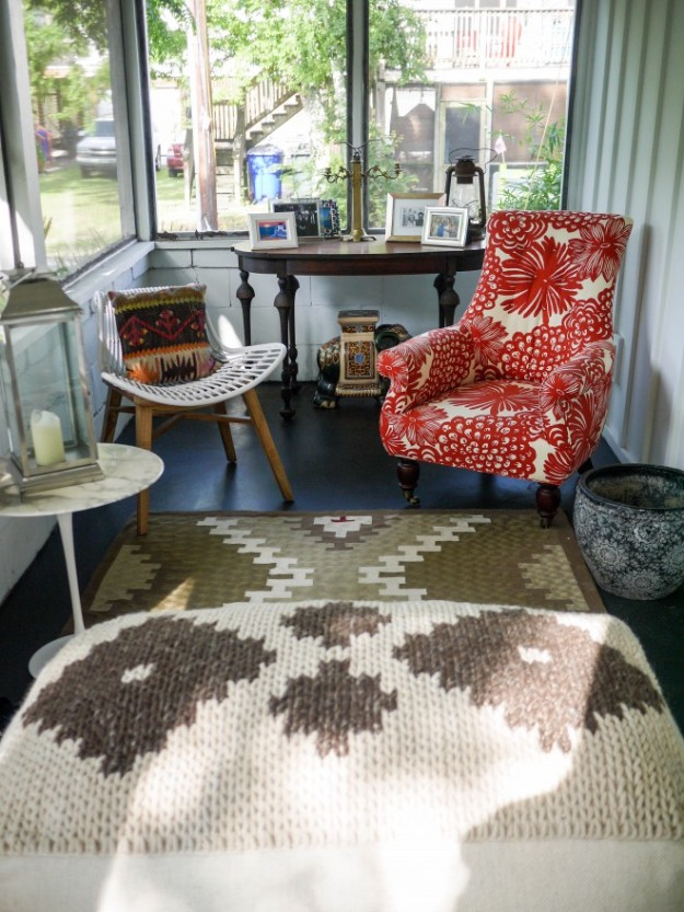 Station 19 Screened in Porch Beach Cottage