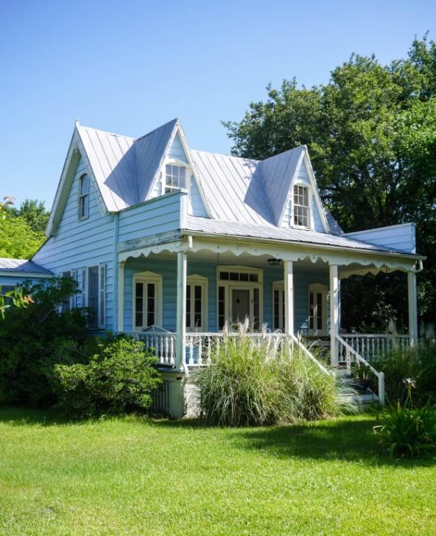 Sullivan's Island Blue Doll House Victorian