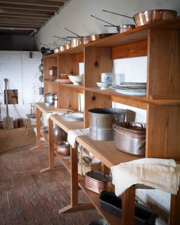 Monticello kitchen shelves