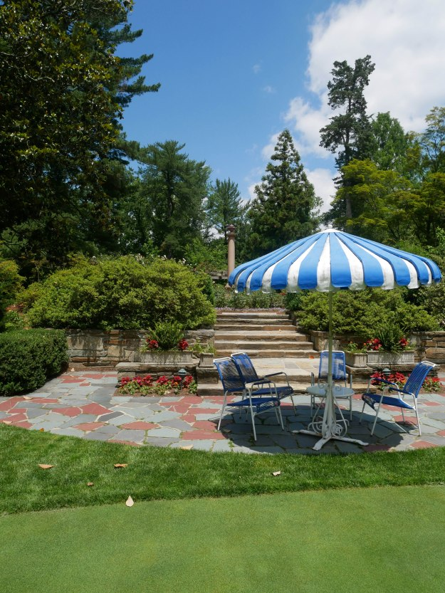 Hillwood putting green umbrella