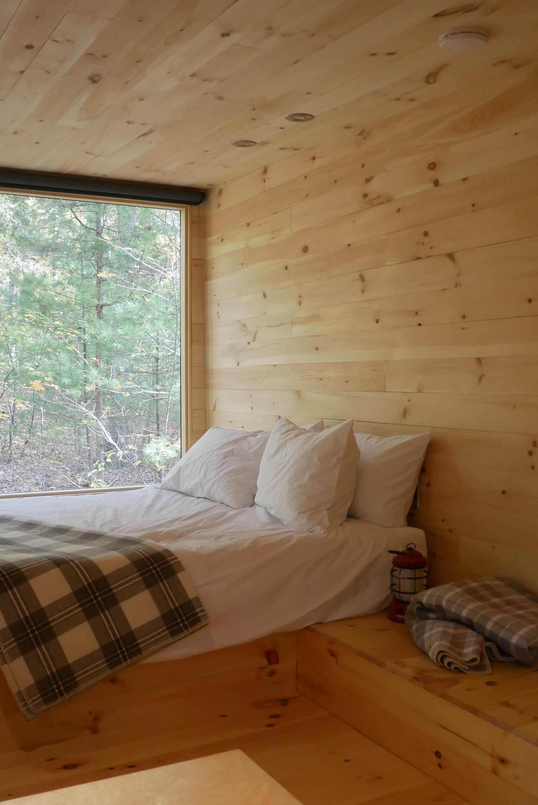getaway cabin ig bed